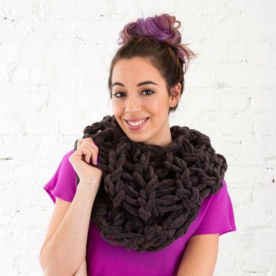 Arm Knitting Scarves Ideas 4