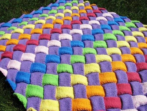 DIY-Colorful-Entrelac-Knitted-Baby-Blanket-2