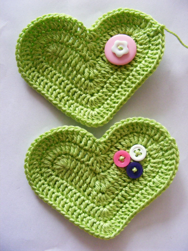 Fab-Art-DIY-Crochet-3D-Heart-free-pattern07a