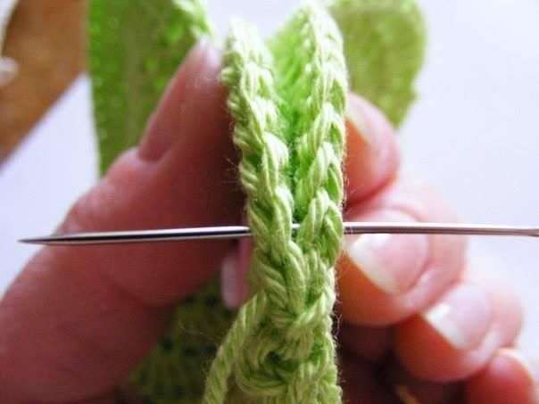 Fab-Art-DIY-Crochet-3D-Heart-free-pattern08
