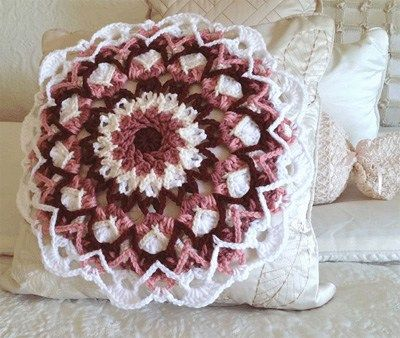 Mandala Pillow Free Crochet 2