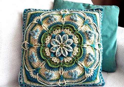 Mandala Pillow Free Crochet 4