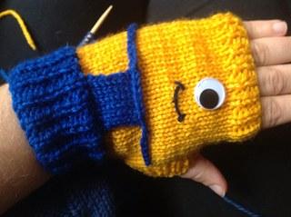 Minion-Glove-Free-Crochet-Patterns