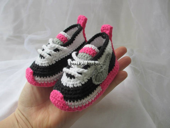 Nike-crochet-booties-girls