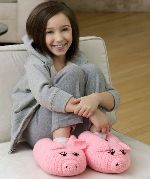 Pudgy-Piggy-Slippers-1