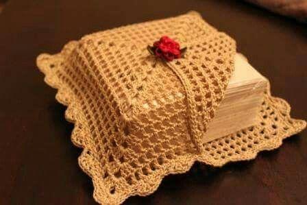 crochet napkin holders ideas 11