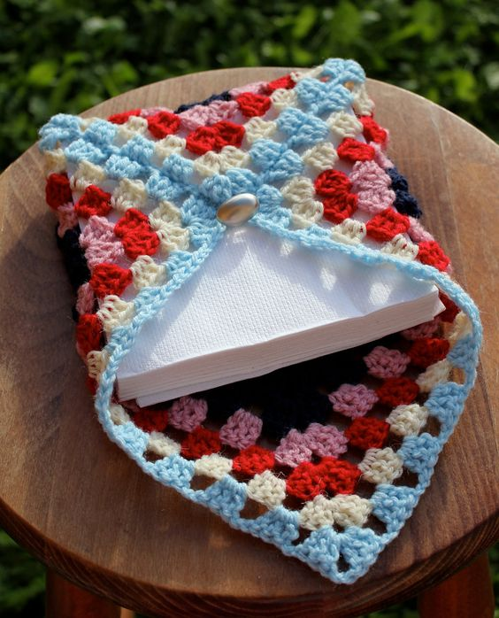 crochet napkin holders ideas 20