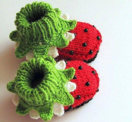 crochet strawberry booties 3