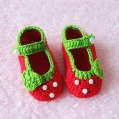 crochet strawberry booties 4