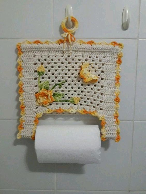 crochet toilet paper holder 1