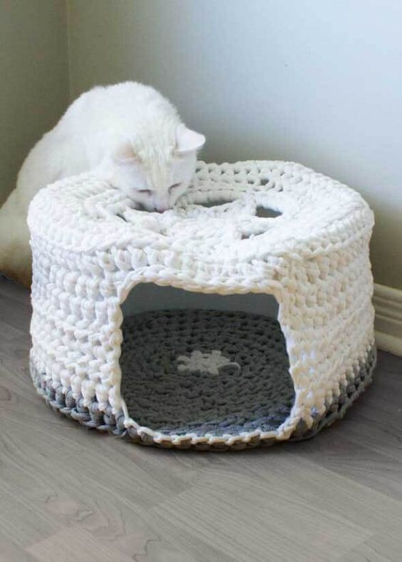 diy Crochet Cat Cave 2