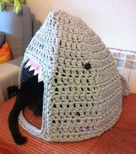 diy Crochet Cat Cave 4