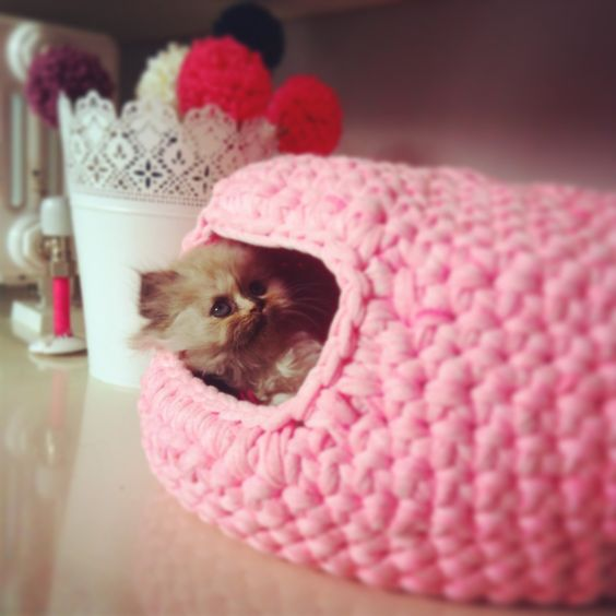 diy Crochet Cat Cave 6