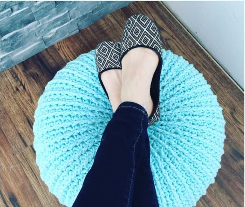 how to crochet a floor pouf 6