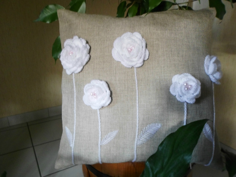 pillows decorated with crochet 10