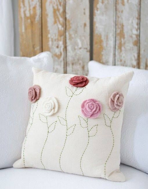 pillows decorated with crochet 14