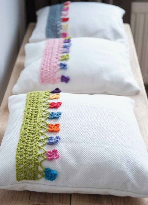 pillows decorated with crochet 6
