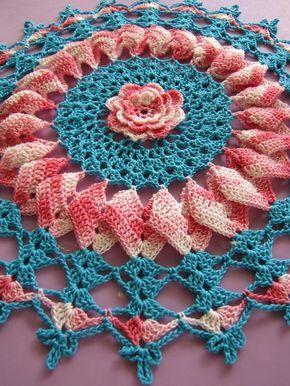 pretty pinwheel doily 1