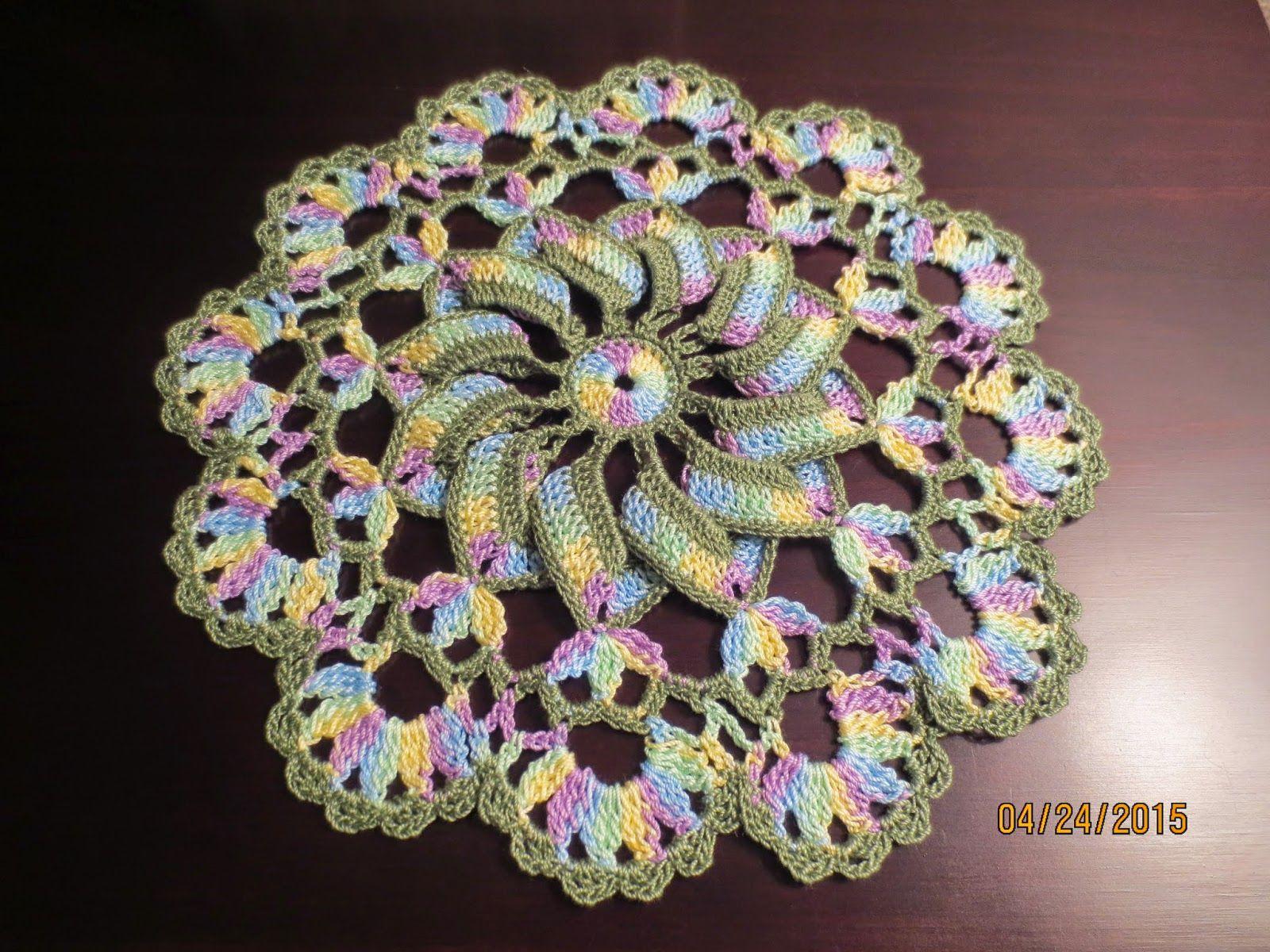 pretty pinwheel doily 3